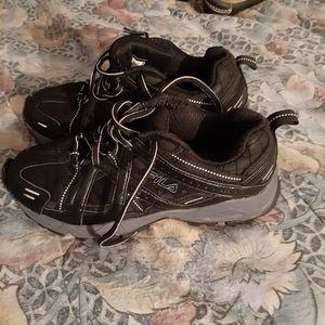 Fila men's black sneakers sz 6.5
